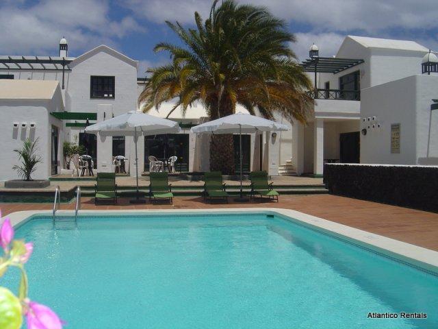 Pool area - Las Palmeras II Complex, Puerto del Carmen, Lanzarote